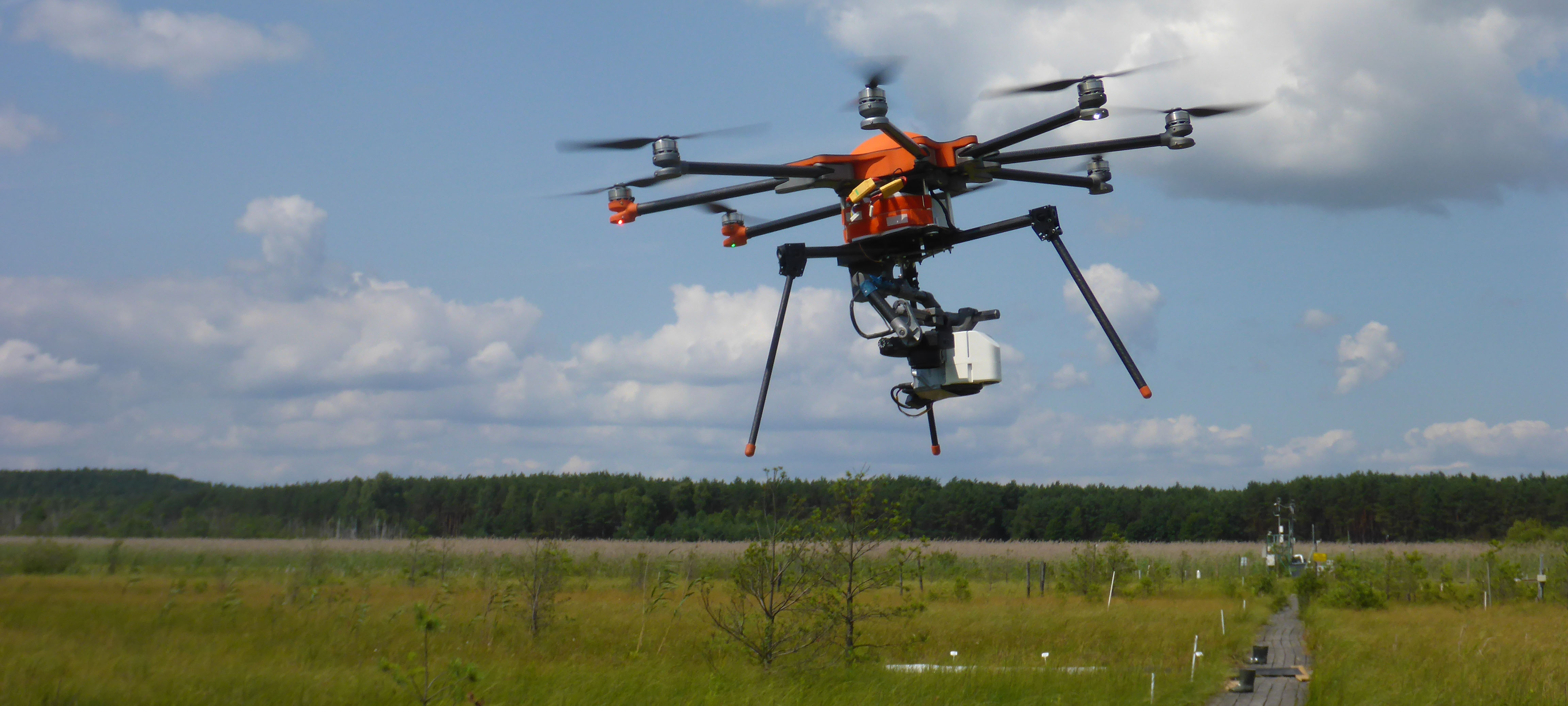 Near-ground campaign with small UAV platform during EUFAR/OPTIMISE SWAMP training course, July 2015